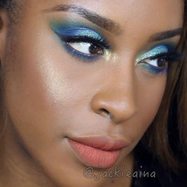 eyebrow, face, cheek, eye, blue,