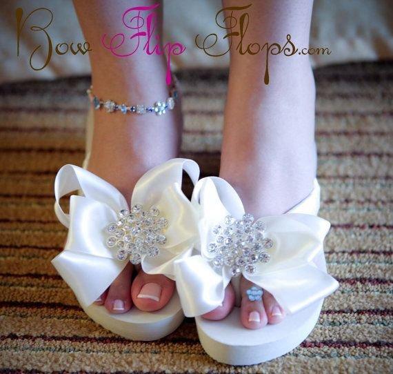 footwear,pink,shoe,leg,petal,