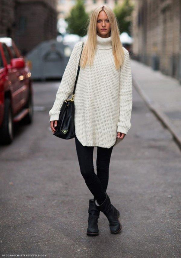 Oversized Turtleneck Sweater with Leggings
