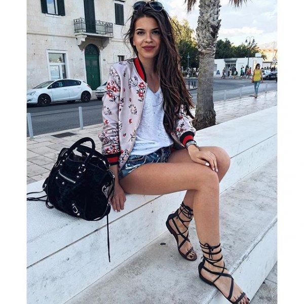 footwear, clothing, leg, shoe, thigh,