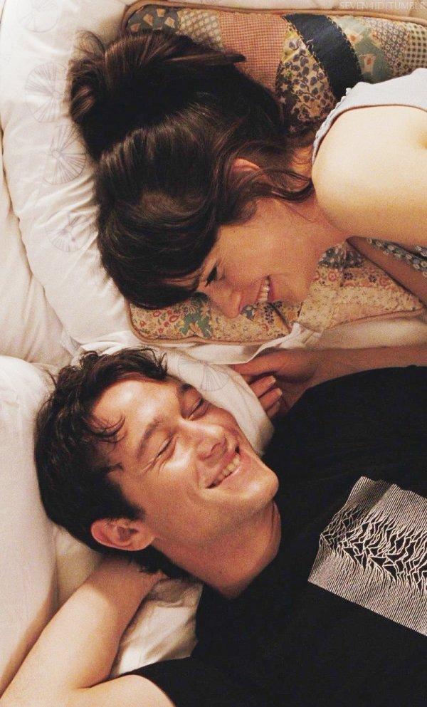 "Zooey Deschanel & Joseph Gordon-Levitt in ""500 Days of Summer"""
