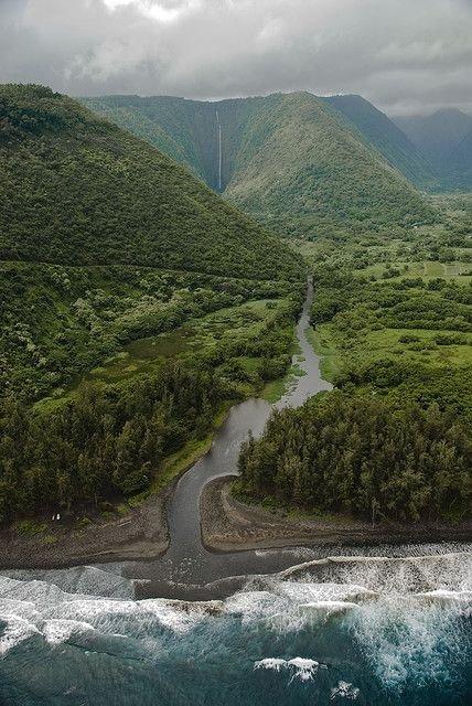 Hi'ilawe Waterfall, Waipio Valley, Big Island