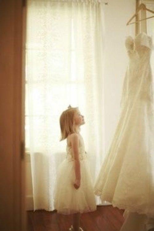 wedding dress,dress,clothing,bridal accessory,bridal clothing,