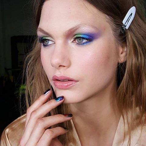 eyebrow, face, cheek, lip, blue,