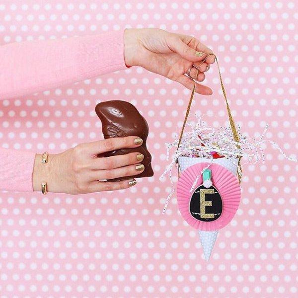 pink, handbag, finger, pattern, fashion accessory,