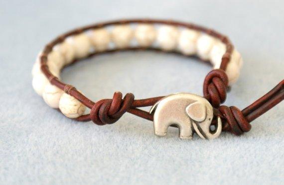 bracelet,jewellery,fashion accessory,ear,necklace,