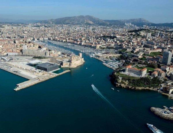 Visit Port Moderne for a Contrasting View