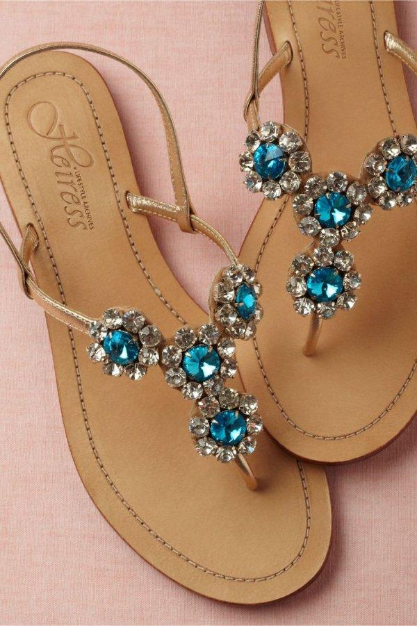 footwear,jewellery,fashion accessory,shoe,ear,