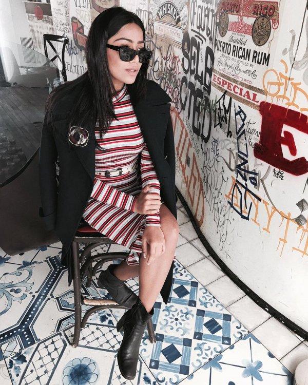 eyewear, fashion accessory, vision care, shoulder, fashion,