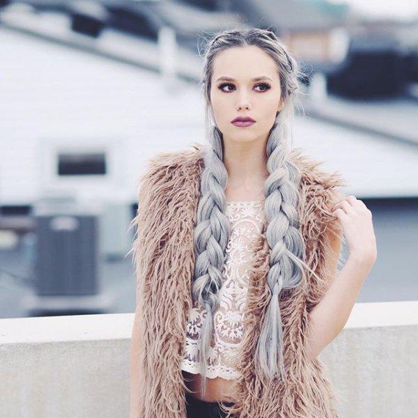 clothing, fur, fur clothing, leather, model,