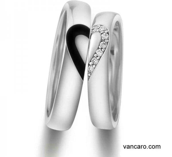 ring,footwear,platinum,jewellery,arm,