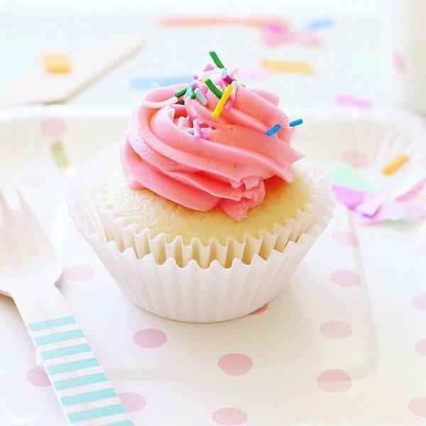 cupcake, food, pink, cake, dessert,