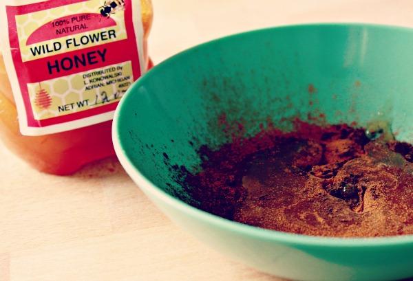Cinnamon, Honey and Nutmeg Face Mask