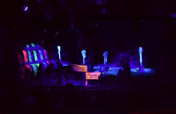 Rainbow Caverns Mine Train – Disneyland, 1956 - 1977
