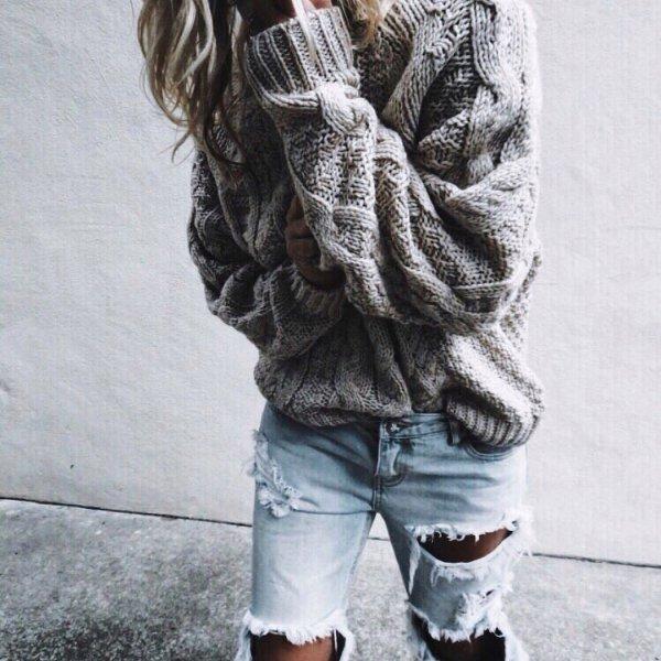jeans, outerwear, shoulder, fur, sweater,