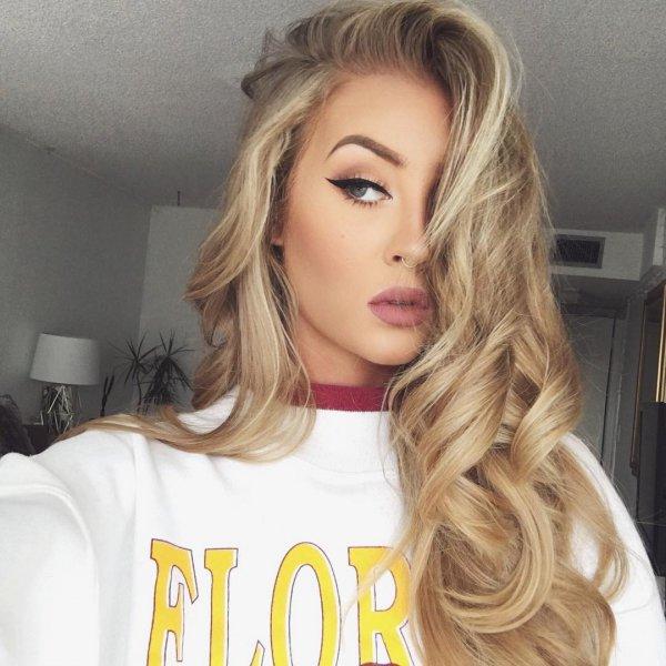 hair, human hair color, blond, face, clothing,