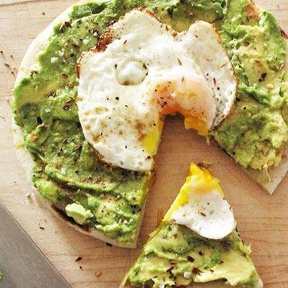 Avocado and Egg Breakfast Pitza