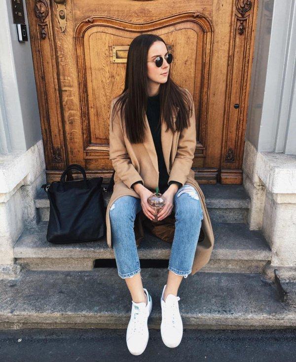 clothing, footwear, fashion, fur, leg,