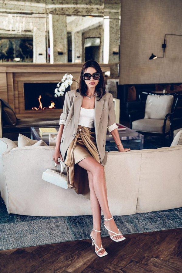 Clothing, Fashion, Beauty, Shoulder, Photo shoot,