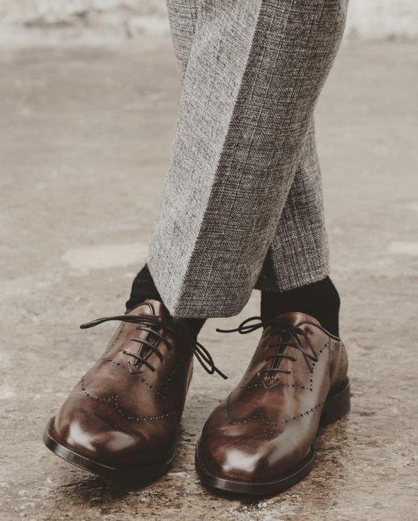 footwear, shoe, outdoor shoe, tights, joint,