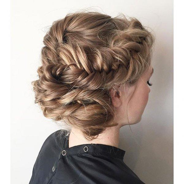 hair, hairstyle, layered hair, long hair, costume,