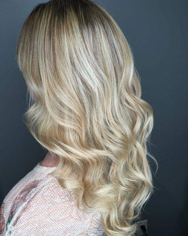 Hair, Blond, Hairstyle, Chin, Layered hair,