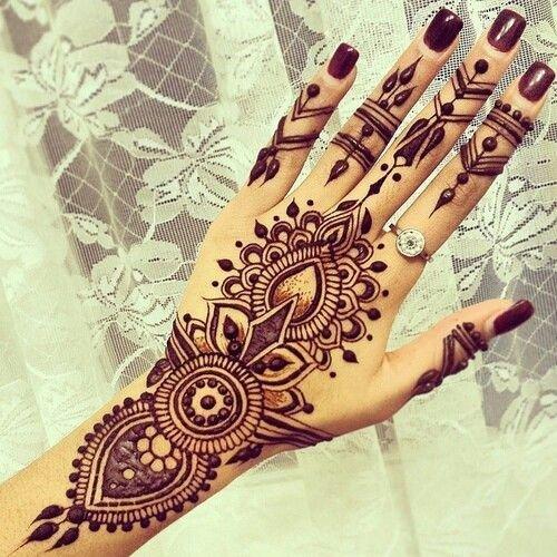 mehndi,pattern,design,henna,arm,