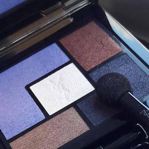 eye shadow, square, flooring, product,