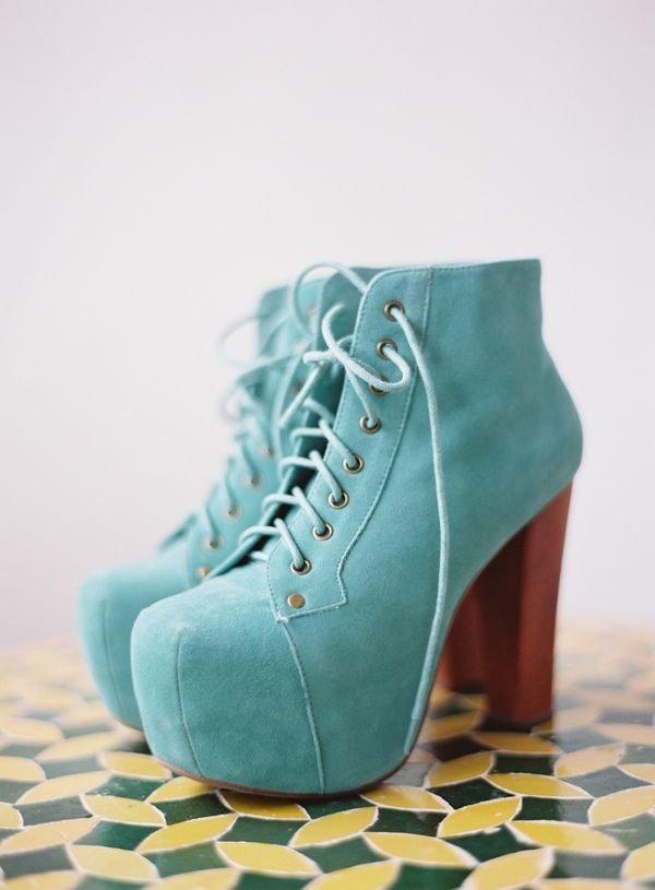 footwear,blue,green,turquoise,aqua,