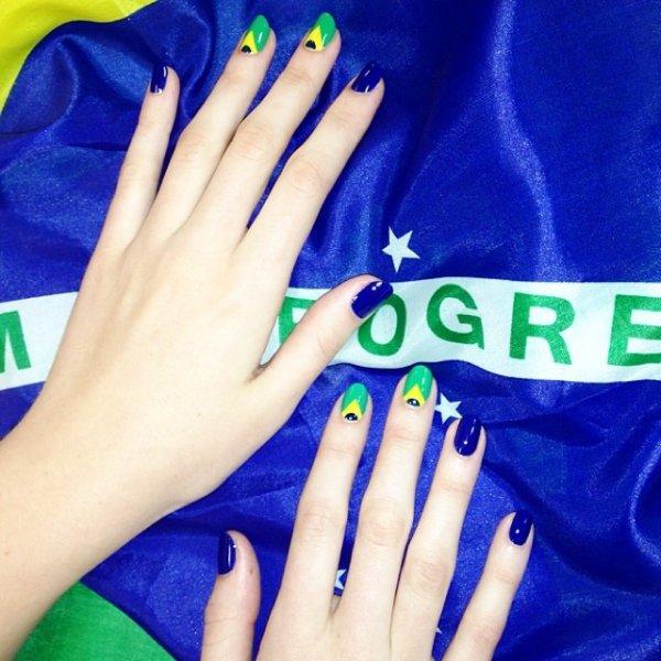 hand, finger, glove, manicure, outerwear,