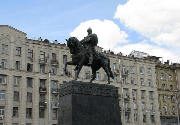 Yuri Dolgoruky, Tverskaya Street