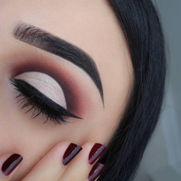 color, eyebrow, face, eyelash, eye,