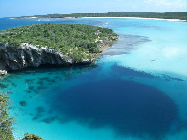 Free Diving at Dean's Blue Hole, Bahamas