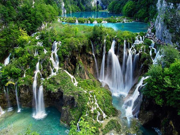 Tour the Plitvice Lakes, Croatia