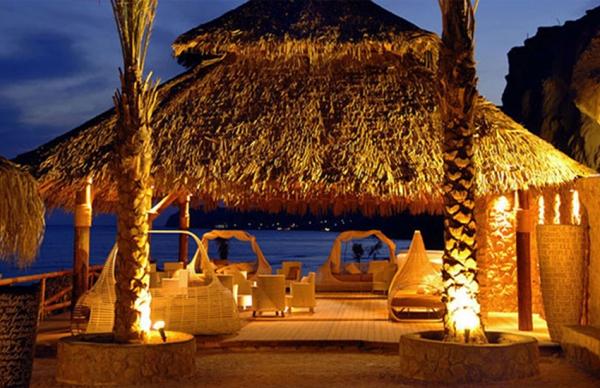 Theros Wave Bar, Santorini, Greece