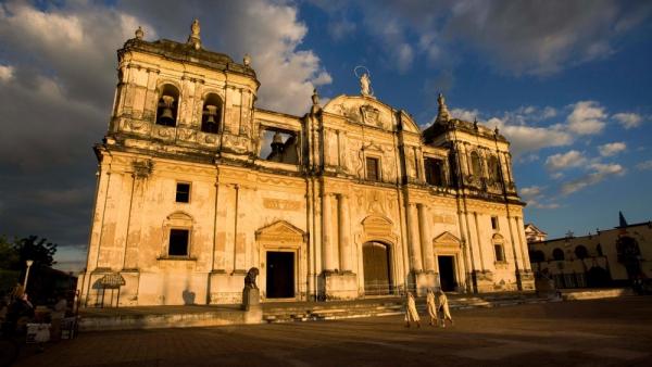 Explore Colonial Leon