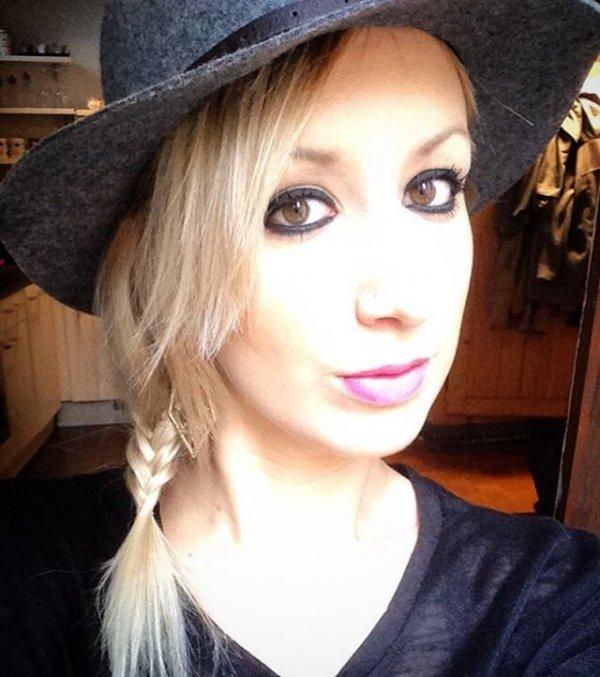 Gwen's Tiny Side Braid & Hat
