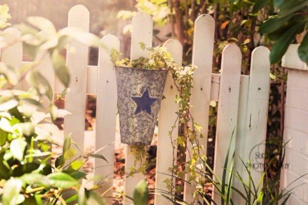 Hang up Tiny Planters