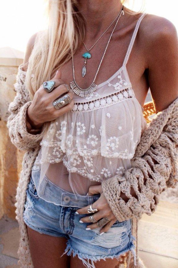clothing,sleeve,outerwear,fashion,undergarment,