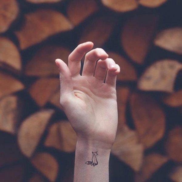 finger,photography,hand,close up,leg,