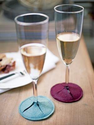 wine glass,stemware,glass,wine,drink,