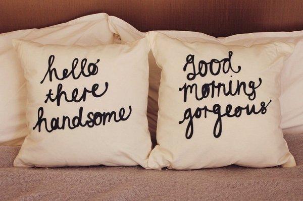 pillow,furniture,organ,cushion,textile,