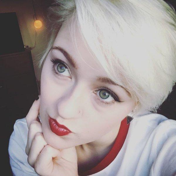 Hannah Justis' Red Lip + Cat Eye Flick