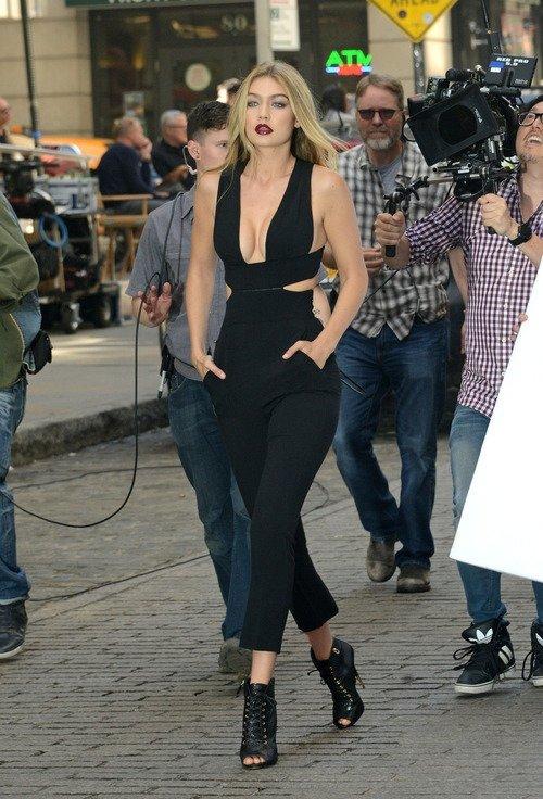 footwear,clothing,fashion,model,fashion show,