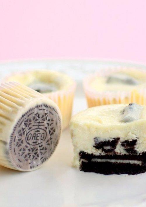 Cookies & Cream Cheesecake with Oreo Crust
