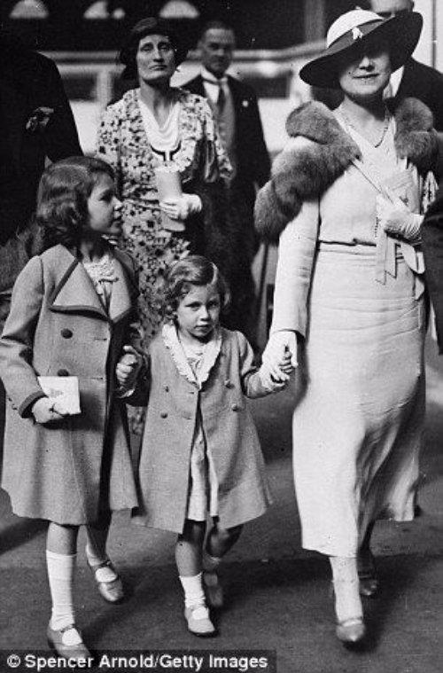 Princess Margaret Rose, Princess Elizabeth and Queen Elizabeth