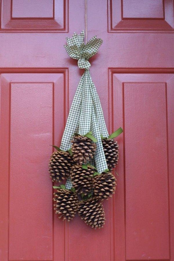 Pine Cone Cluster Wreath