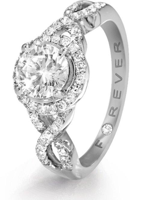 jewellery,platinum,fashion accessory,diamond,gemstone,