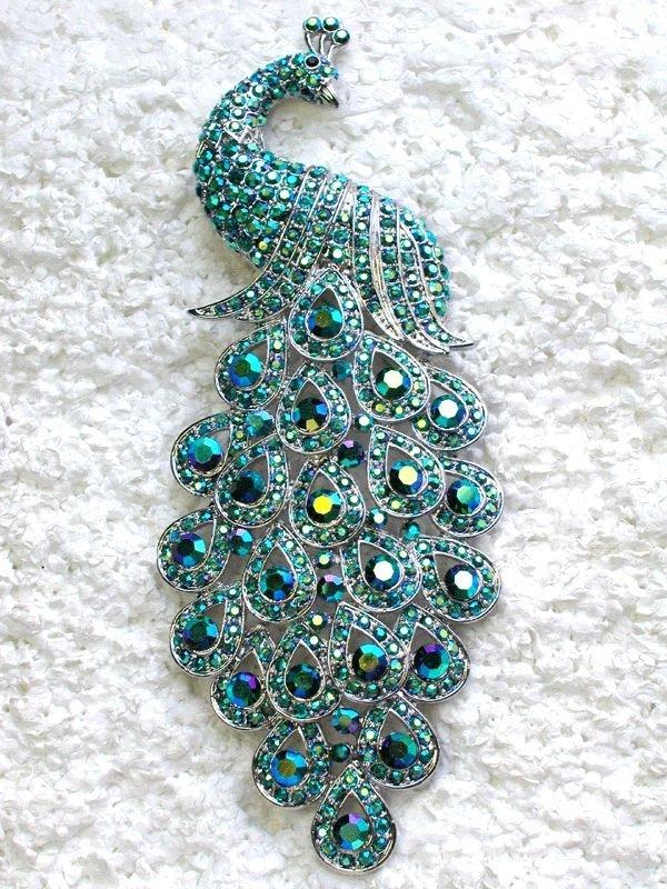 jewellery,fashion accessory,pendant,gemstone,art,