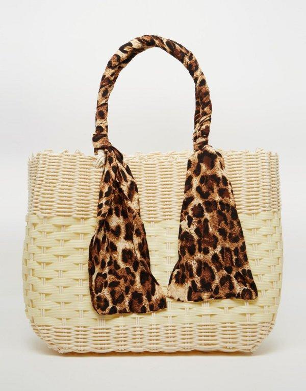 Carpisa Basket Tote Bag